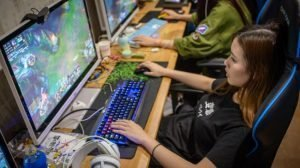Become a Professional LoL Gamer
